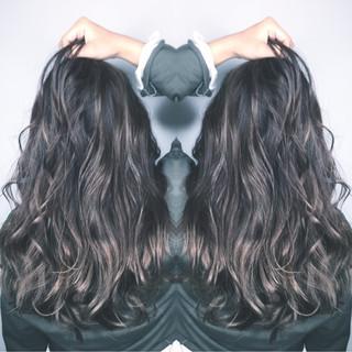 ナチュラル インナーカラー ロング ミルクティー ヘアスタイルや髪型の写真・画像