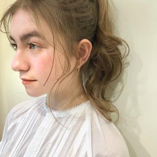 スポーツ ガーリー アウトドア セミロング ヘアスタイルや髪型の写真・画像