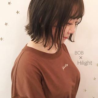 ミディアム こなれ感 ボブ ナチュラル ヘアスタイルや髪型の写真・画像
