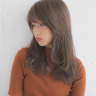 前髪 フェミニン アンニュイほつれヘア グレージュ ヘアスタイルや髪型の写真・画像 ヘアスタイルや髪型の写真・画像