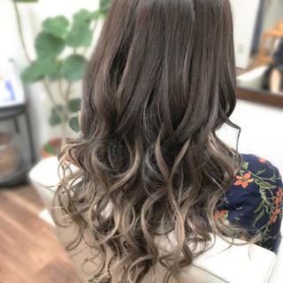 ロング ガーリー エクステ ヘアスタイルや髪型の写真・画像