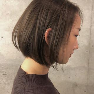 大人ショート 切りっぱなしボブ ショートヘア 大人可愛い ヘアスタイルや髪型の写真・画像