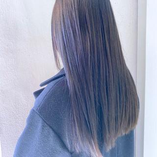 ミルクティーベージュ ナチュラル インナーカラー グレージュ ヘアスタイルや髪型の写真・画像