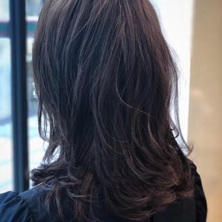 ナチュラル ミディアム アンニュイほつれヘア 大人かわいい ヘアスタイルや髪型の写真・画像