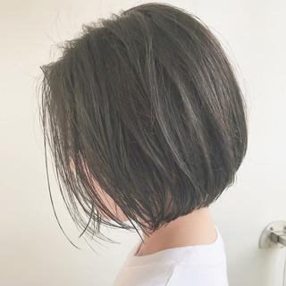 ボブ 切りっぱなし ショートボブ 外ハネ ヘアスタイルや髪型の写真・画像