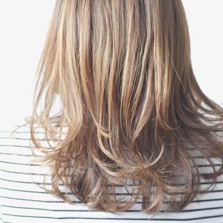 ベージュ アッシュベージュ ブラウンベージュ ナチュラル ヘアスタイルや髪型の写真・画像