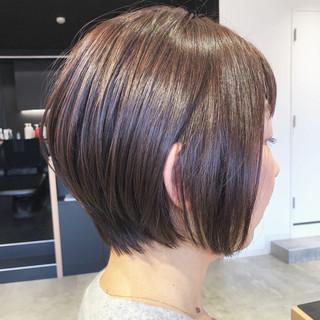 ショート アンニュイほつれヘア ナチュラル ヘアアレンジ ヘアスタイルや髪型の写真・画像