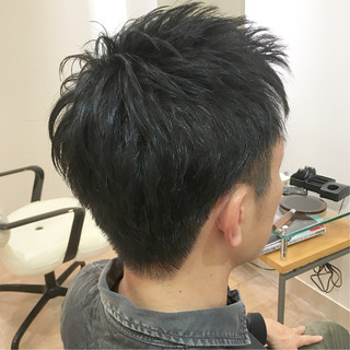 ショート ツーブロック メンズ 刈り上げショート ヘアスタイルや髪型の写真・画像