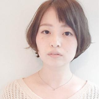ミルクティー ショートボブ ナチュラル 大人女子 ヘアスタイルや髪型の写真・画像