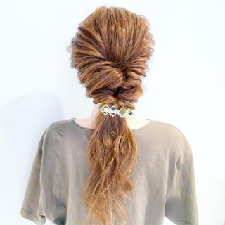 アウトドア 簡単ヘアアレンジ ヘアアレンジ フェミニン ヘアスタイルや髪型の写真・画像