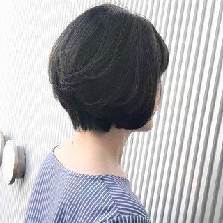 アッシュグレージュ グレージュ 前髪 ショート ヘアスタイルや髪型の写真・画像