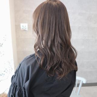 成人式 グレージュ ナチュラル オフィス ヘアスタイルや髪型の写真・画像 ヘアスタイルや髪型の写真・画像