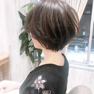 ベージュカラー ショートヘア ナチュラル ショートボブ ヘアスタイルや髪型の写真・画像