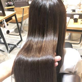 ナチュラル オフィス ロング 髪質改善トリートメント ヘアスタイルや髪型の写真・画像