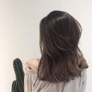 涼しげ ナチュラル セミロング デート ヘアスタイルや髪型の写真・画像