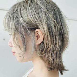 ストリート ハイトーン ウルフカット レイヤーカット ヘアスタイルや髪型の写真・画像