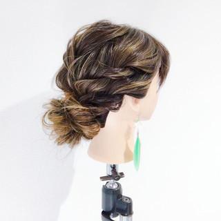 メッシーバン エレガント ヘアアレンジ 上品 ヘアスタイルや髪型の写真・画像