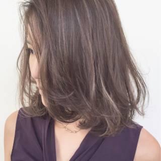 外国人風 ミディアム 外国人風カラー ハイライト ヘアスタイルや髪型の写真・画像 ヘアスタイルや髪型の写真・画像