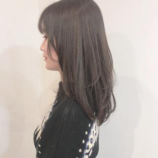 大人カジュアル 透明感 レイヤーカット グレージュ ヘアスタイルや髪型の写真・画像