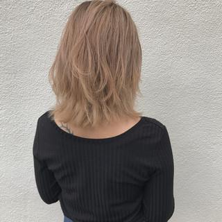 ミディアム ロブ リラックス ハイライト ヘアスタイルや髪型の写真・画像