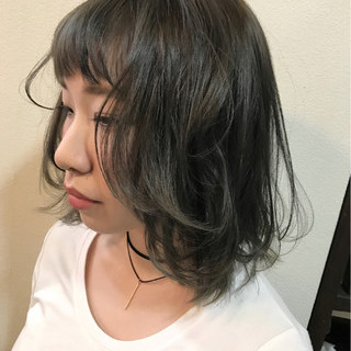 フェミニン アッシュグレー アッシュ 外国人風カラー ヘアスタイルや髪型の写真・画像 ヘアスタイルや髪型の写真・画像