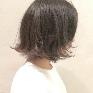 切りっぱなし 外ハネ 暗髪 グレージュ ヘアスタイルや髪型の写真・画像