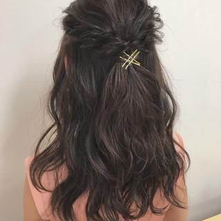 フェミニン バレンタイン ヘアアレンジ セミロング ヘアスタイルや髪型の写真・画像