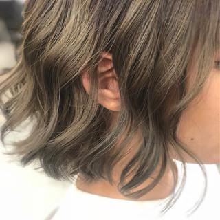艶髪 透明感 ボブ グレージュ ヘアスタイルや髪型の写真・画像