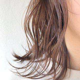 ミルクティーベージュ 春ヘア ミルクティーブラウン エレガント ヘアスタイルや髪型の写真・画像