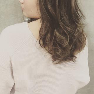 ゆるふわ ブリーチ ローライト ハイライト ヘアスタイルや髪型の写真・画像