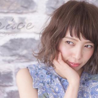アッシュ 大人かわいい ストリート パーマ ヘアスタイルや髪型の写真・画像