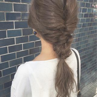 グレージュ ブリーチ 外国人風 イルミナカラー ヘアスタイルや髪型の写真・画像