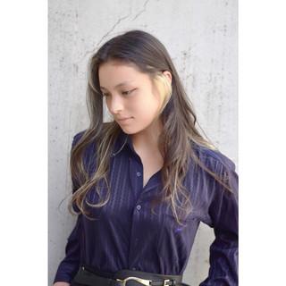 アッシュ グレージュ 外国人風カラー ロング ヘアスタイルや髪型の写真・画像 ヘアスタイルや髪型の写真・画像