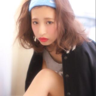 外国人風 ウェーブ ロブ ラフ ヘアスタイルや髪型の写真・画像 ヘアスタイルや髪型の写真・画像
