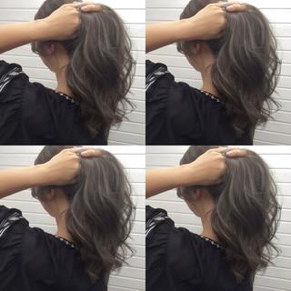 暗髪 外国人風 ロング グレージュ ヘアスタイルや髪型の写真・画像