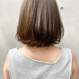 ベリーショート 切りっぱなしボブ ナチュラル ショートボブ ヘアスタイルや髪型の写真・画像