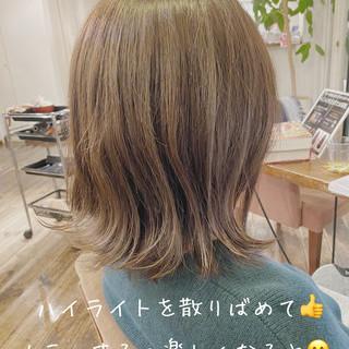 ヌーディベージュ 透明感カラー ボブ ハイライト ヘアスタイルや髪型の写真・画像