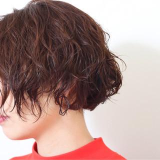 簡単 外国人風 パーマ ナチュラル ヘアスタイルや髪型の写真・画像 ヘアスタイルや髪型の写真・画像