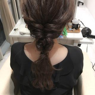オフィス 簡単ヘアアレンジ セミロング 巻き髪 ヘアスタイルや髪型の写真・画像