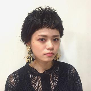 外国人風 かっこいい 黒髪 ショート ヘアスタイルや髪型の写真・画像