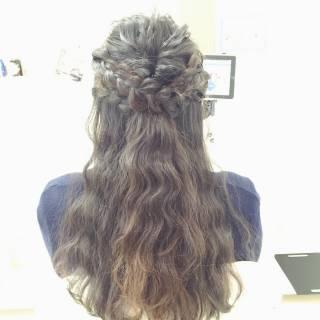 ロング ふわふわ 波ウェーブ 編み込み ヘアスタイルや髪型の写真・画像