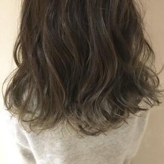 ストリート 外国人風カラー グレージュ デート ヘアスタイルや髪型の写真・画像