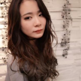 セミロング フェミニン ゆるふわ モード ヘアスタイルや髪型の写真・画像