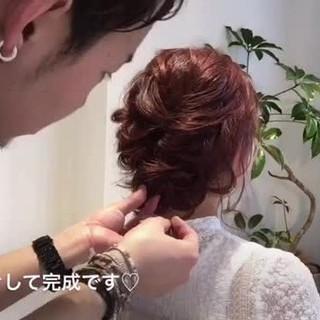 ミディアム ねじり ヘアアレンジ ルーズ ヘアスタイルや髪型の写真・画像