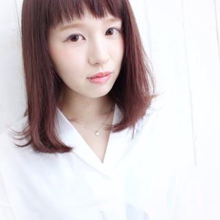 ストレート ピンク ショートバング ミディアム ヘアスタイルや髪型の写真・画像