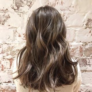 デート 外国人風カラー ロング ハイライト ヘアスタイルや髪型の写真・画像