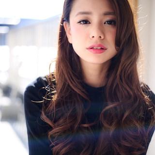 ロング 暗髪 ゆるふわ コンサバ ヘアスタイルや髪型の写真・画像