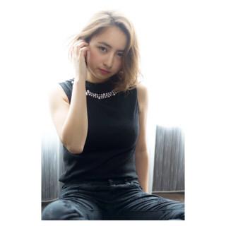 ミディアム コンサバ 外国人風 アッシュ ヘアスタイルや髪型の写真・画像