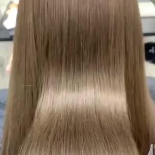 ハイライト ナチュラルベージュ 艶髪 ナチュラル ヘアスタイルや髪型の写真・画像
