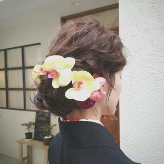 ミディアム 成人式 冬 フェミニン ヘアスタイルや髪型の写真・画像